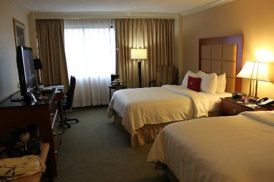 Crowne Plaza Richmond Downtown : bedroom