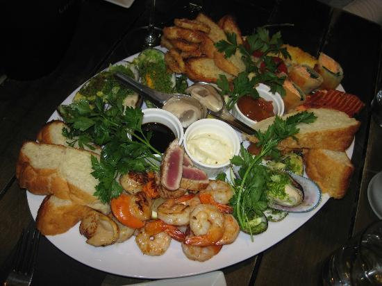 SoHo Bar: The seafood platter