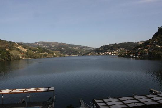 Hotel Porto Antigo: Morning view over the Douro river