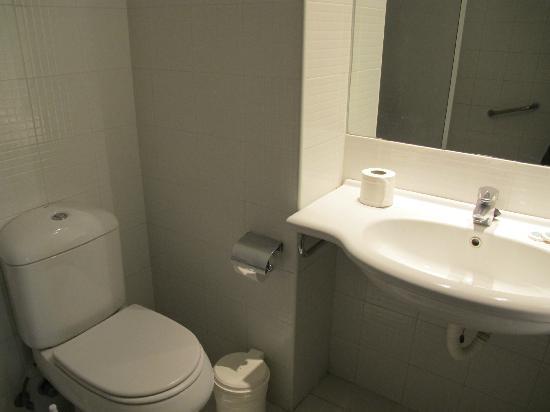Apartamentos Be Smart Florida: Ванная комната