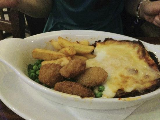 Potters Bar and Kitchen: Mains:  Mixing both up for both of us to review...  (Feb 2012)