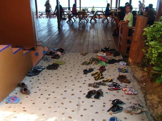 Mountain Resort Koh Lipe: take off your shoes before entering the restaurant