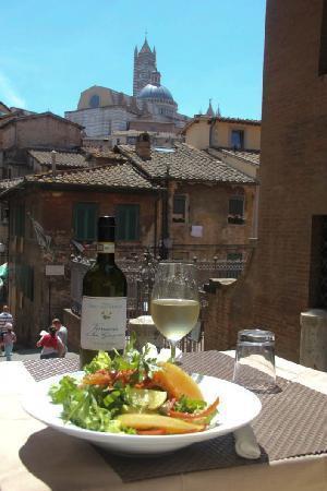 Zest Ristorante & Wine Bar : Al fresco dining & Il Duomo