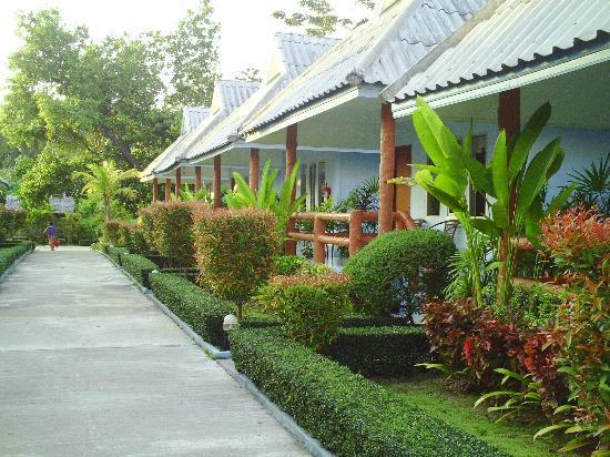 Koh Yao Chukit Dachanan Resort: Chukit Dachanan Resort  Hotelanlage