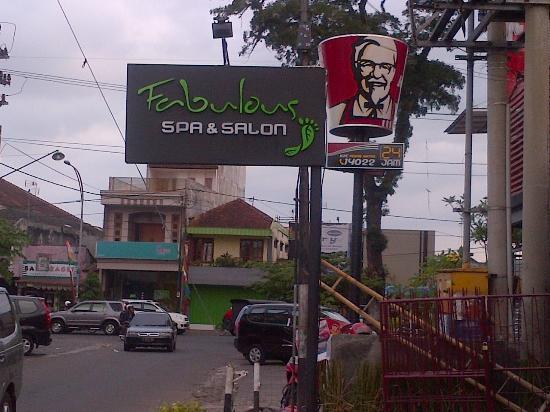 Malang, Indonesia: Sign of Fabulous Spa&Salon