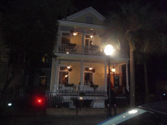 Bloody alley picture of old charleston walking tours for Most haunted places in south carolina