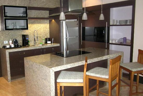 Grand Luxxe Riviera Maya: Kitchen
