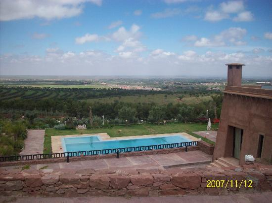 Kasbah Agounsane: hotel from the top