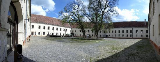 Sarvar Nadasdy Castle : Innenhof der Burg