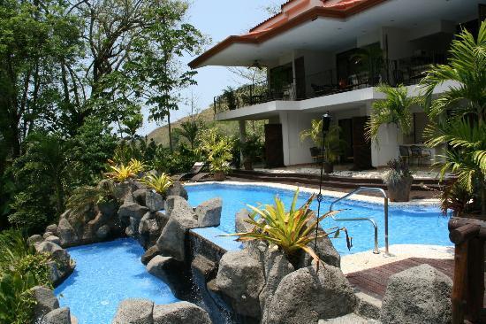 Hotel Pumilio: der schön angelegte Poolbereich