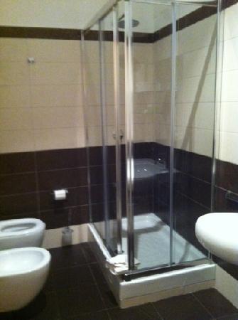 Maison Trevi: bathroom