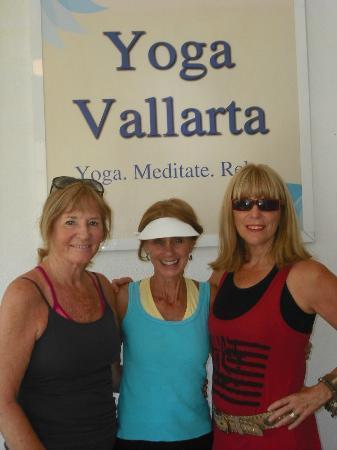 Yoga Vallarta & Pilates Studio PV : Strong healthy students at Yoga Vallarta