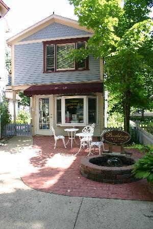 Springfield House Bed and Breakfast: Boalsburg Chocolate Shop