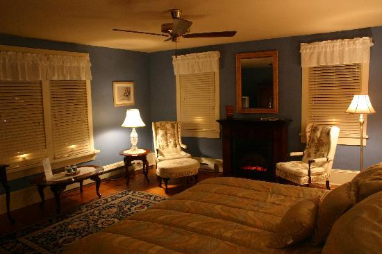 Springfield House Bed and Breakfast: The Oak Hall Suite