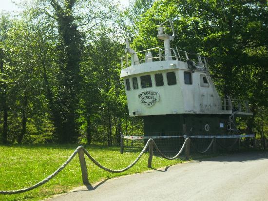 Beko-Errota: un barco como decoración