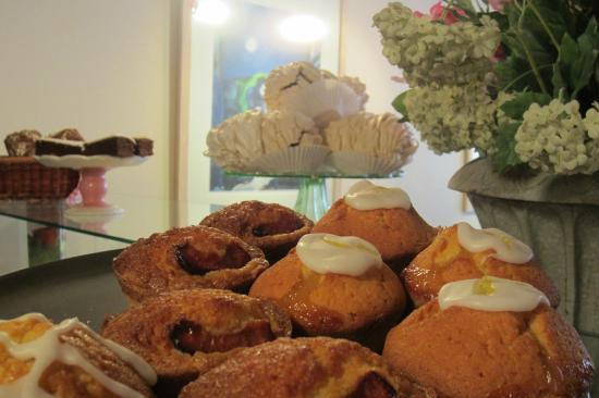 The Summer House Cafe: The Summer House, Lismore - Yummy goodies are made right there