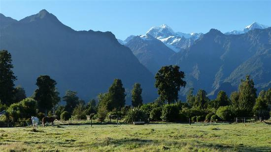 Mount Cook View Motel: View from 1-bedroom unit