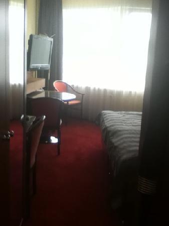 Hotel Continental : bedroom