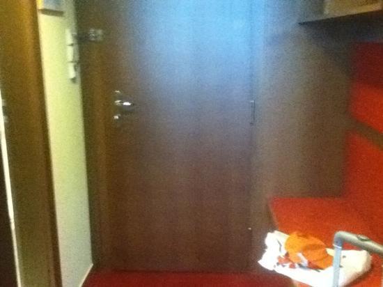 Hotel Continental: door