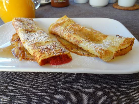 Queenstown Country Lodge: Rhubarb Pancakes...yummy!!!