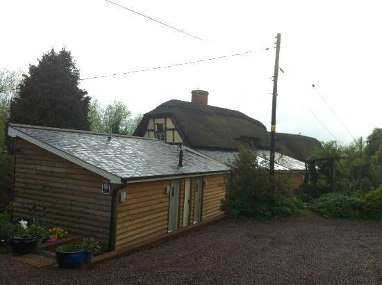 The Steppes Bed & Breakfast: Outside view from the car park