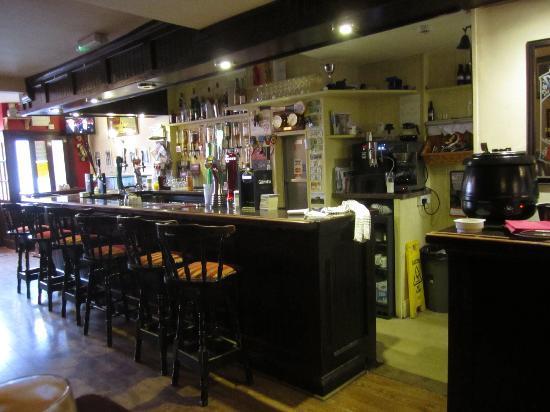 Fahy's Bar and Restaurant: its a pub