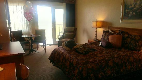 Inn of the Four Winds: Our Room
