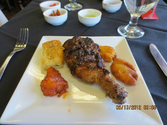 Indigo Indian Bistro: Chix drumstick, gobi Manchurian, veggie puff + pazhampori