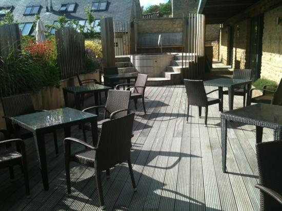Feversham Arms Hotel & Verbena Spa: spa seating outside plus hottub