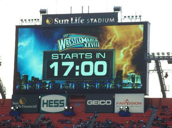 Sun Life Stadium: W28 - Starts in 17:00 minutes