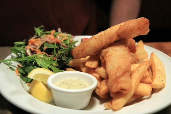 Turangi Bridge Motel: Fish and Chips