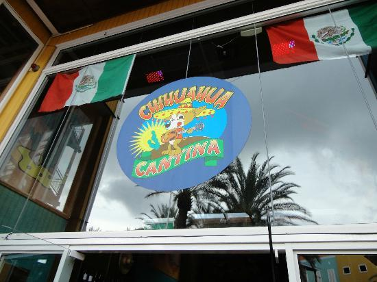 Chihuahua Cantina : Outside sign