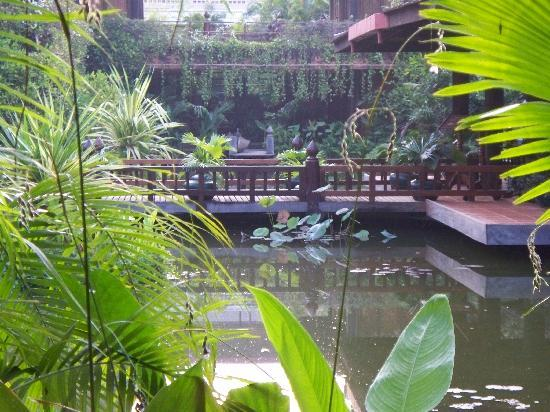 Angkor Village Hotel: This is a lovely hotel