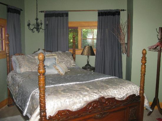 A Country Hideaway Bed & Breakfast: Downstairs bedroom 2