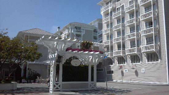 Glitterati Tours Shutters On The Beach Hotel In Santa Monica Walking Distance To