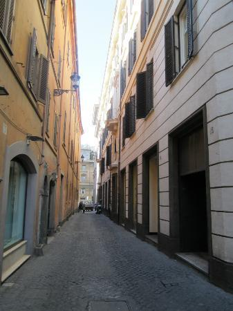 The lovely alley outside the hotel - not the main route to Trevi fountain; only for those lost :