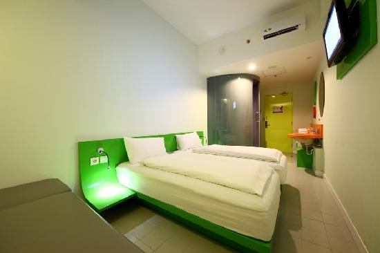 POP! Hotel Festival Citylink: POP! Room (Twin bed)