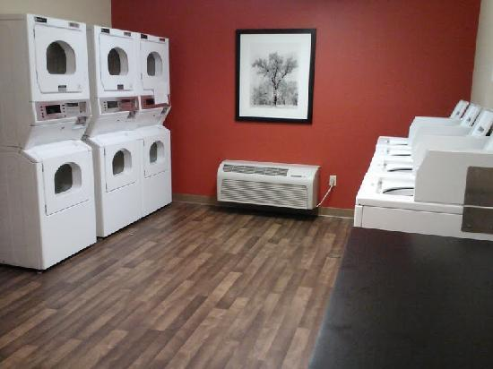 Extended Stay America - Los Angeles - Ontario Airport: Laundryroom