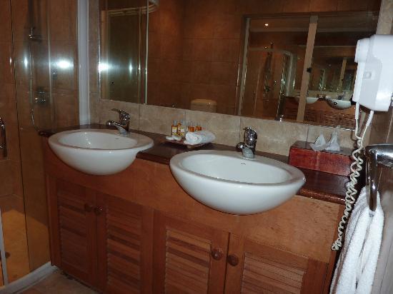 Bathroom Vanity With Free Standing Shower Picture Of Anchorage Beach Resort Lautoka Tripadvisor