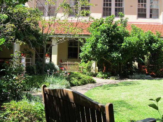 Anderledy Lodge: Gardens