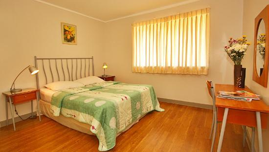 Vacation Villas at Subic Homes: Master's Bedroom