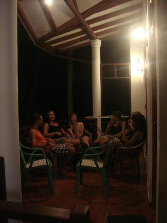 Palitha Guest House: Friends on the balcony