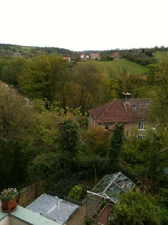 Hedgefield Guest House: view from Endeavour room