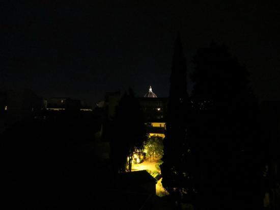 Hotel Merlini: View from the room at night