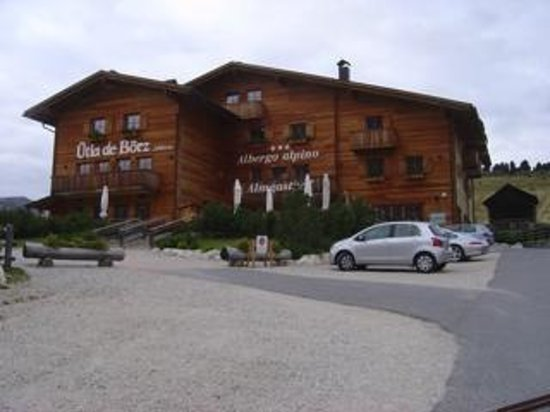 Passo Delle Erbe Wurzjoch: Well signed with easy access and parking