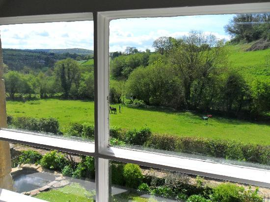 Northend, UK: View from double bed room