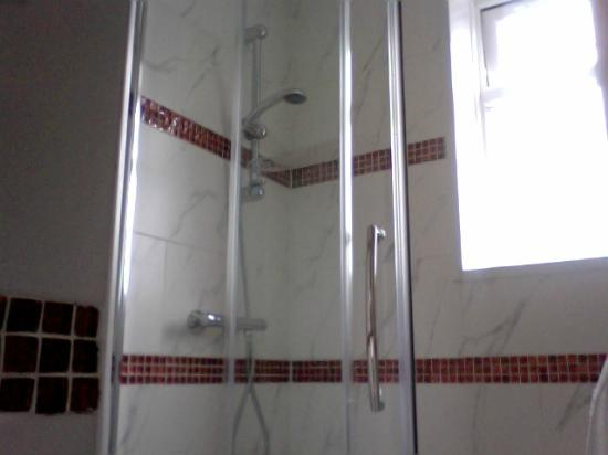 Park Hotel: Clean showers