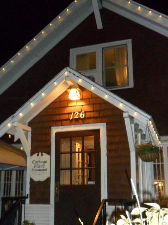 The Cottage : Cottage Place Restarant Flagstaff