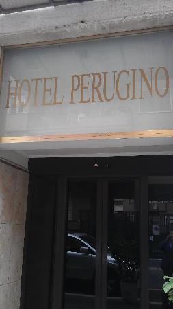 Hotel Perugino : Вход