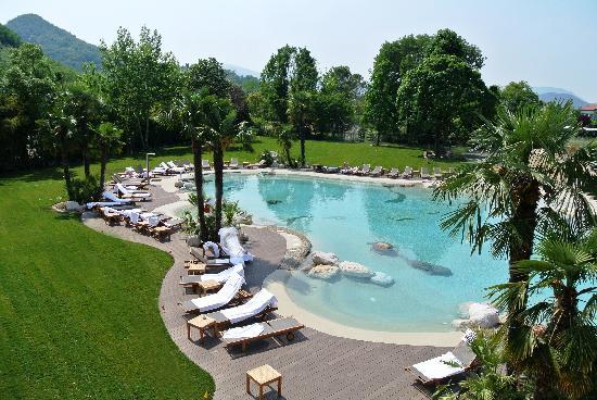 Montegrotto Terme, Italy: parco Piscina Esterna Magnesio&potassio